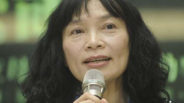 《壓不扁的玫瑰:一位母親的二二八運動事件薄》作者楊翠。