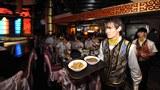 圖爲位於新疆烏魯木齊市的一家餐廳。