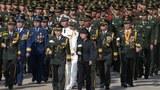 2020年9月30日中國解放軍代表向人民英雄紀念碑致敬。(美聯社)