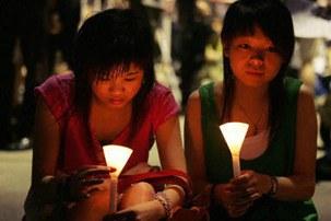 HONGKONG_TIANANMEN_CANDL_44-303