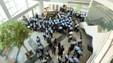 港警再拘壹传媒高层搜大楼  《苹果日报》称会紧守岗位奋战到底