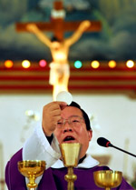 catholic_priest-150a.jpg