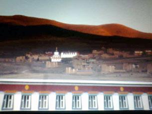 图片:11月7日四川阿坝县各莫乡俄休村三名自焚僧人的寺院-俄休寺。(达兰萨拉格尔登寺提供)