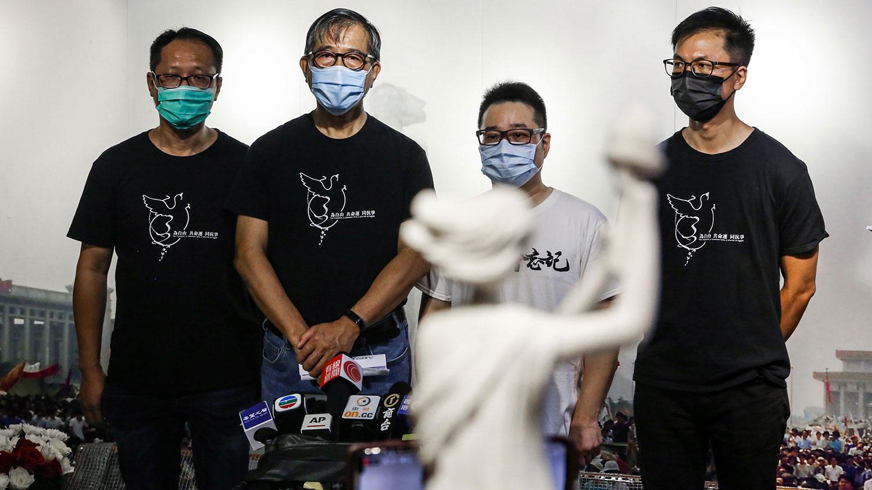 香港支联会重重受压,民调显示近3成人赞成解散。(张展豪 摄)
