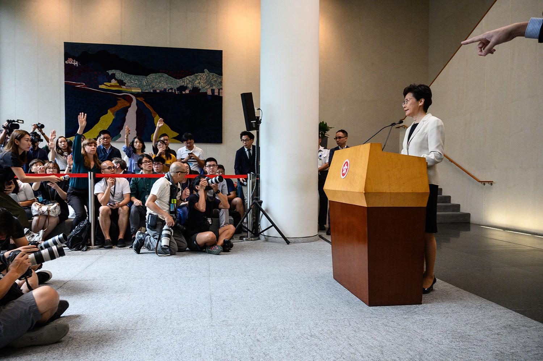 2019年8月27日,香港特首林郑月娥举行的新闻发布会。(法新社)