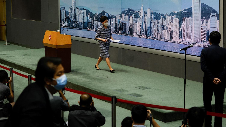 林郑月娥周一率团往深圳出席周三举行的深圳经济特区建立40周年大会。(路透社图片)