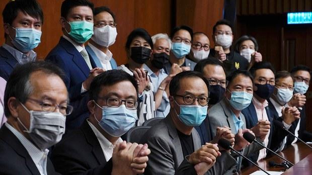 欧洲议会谴责中共镇压香港民主派 英国施压英籍律师退出民主派案检控