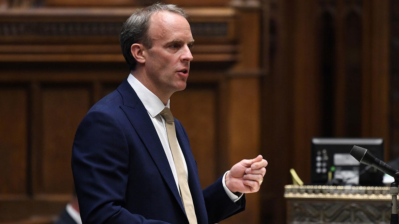 英国外交大臣拉布强调,中国必须遵守其向香港所做出的承诺。(法新社图片)