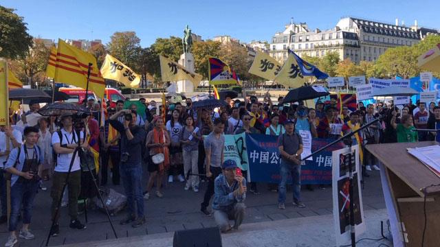 2019年9月15号联合国国际民主日,旅法香港侨民在巴黎参与了法国亚洲人权联会组织的游行活动。(蔡凌拍摄)