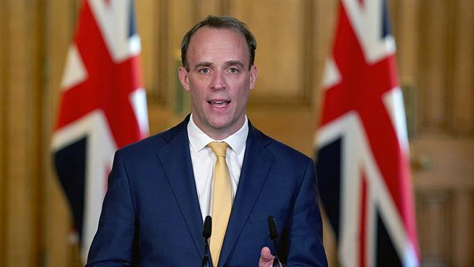 英国外相拉布连续两天发表声明,谴责中国第三度违反《中英联合声明》,并召见中国驻英大使表达关切。(路透社)