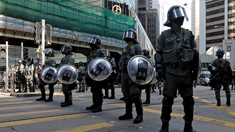2019年11月15日,香港在中部地区的一条街道中间。(路透社)