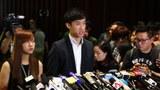 """香港""""青年新政""""立法会议员再次要求宣誓未果。(陈磐提供)"""