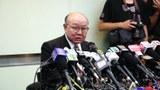 香港退休法官胡国兴星期四突然正式宣布参加明年的特首选举