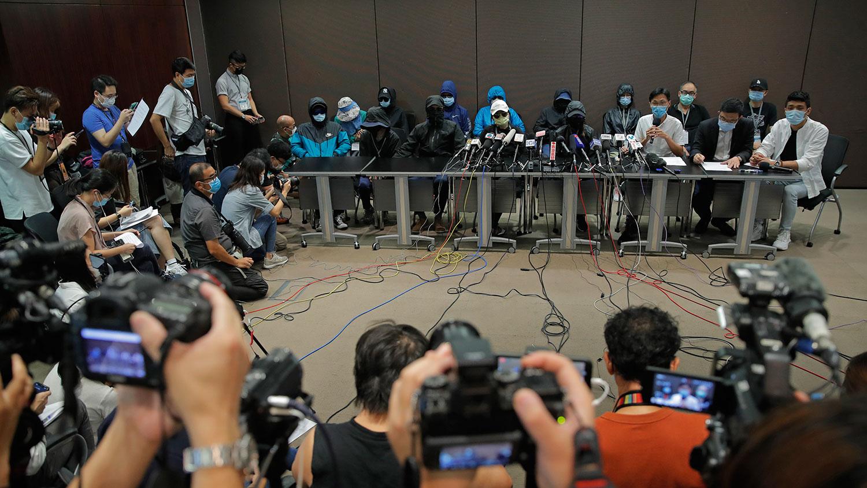 2020年9月12日,被拘留香港人的家属举行首次新闻发布会。(AP)