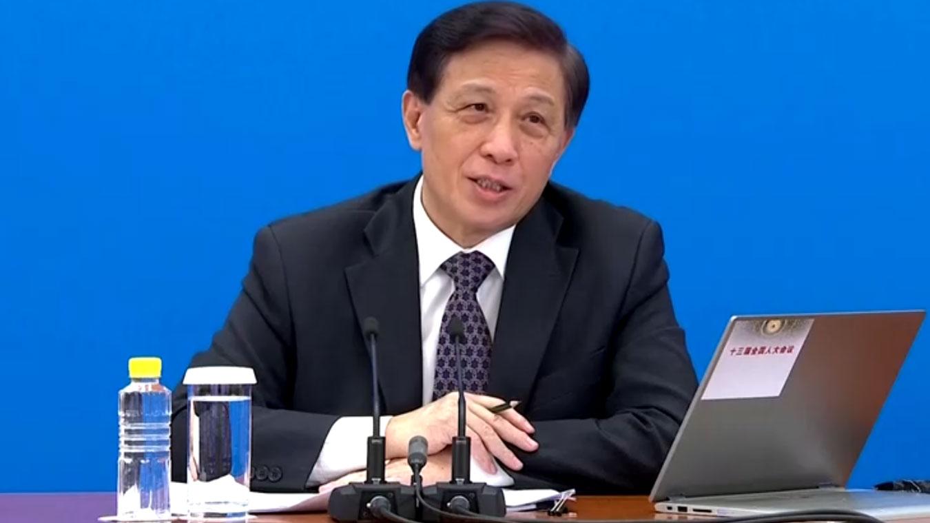 2020年5月21日,全国人大举行预备会议通过大会议程。发言人张业遂晚上在记者会上表示,制定适用于香港的国家安全法律是基于形势需要。(路透社)