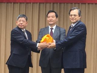 """台湾陆委会新主委上任 面临""""台湾旅行法""""争议"""