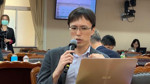 台湾工研院产业产科国际所总经理岳俊豪称供应链离开中国却离不开零组件供应。(记者 黄春梅摄)