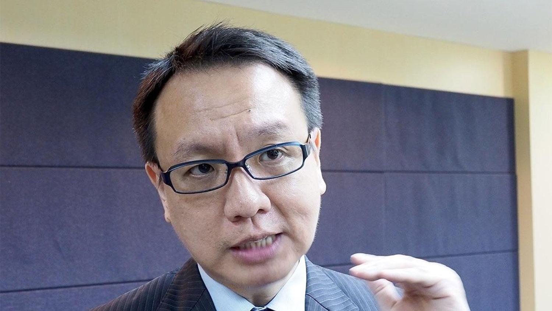 淡江大学国际事务与战略研究所副教授李大中受访时认为,外交部当时是因为预算有限,要把资源跟人力发挥最大的战力,所以当时做了关处的评估跟决定。(推特图片)