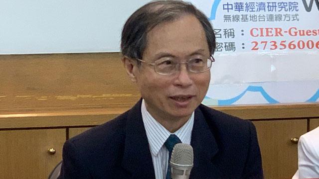 """台湾主计总处副主计长蔡鸿坤称未来台湾GDP高于世界平均将是""""必然""""。(记者 黄春梅摄)"""