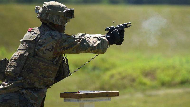 美國陸軍國民兵M9手槍射擊訓練。(圖源/美國國民警衛隊網站)