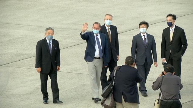 美国卫生部长阿札率领访问团抵台。(图源:公视提供)