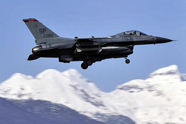 美国宣布对台军售包括F16战斗机在内的备件 。(AFP)