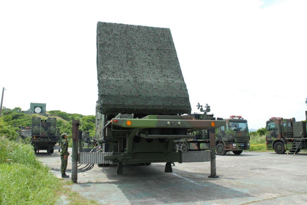 弓三机动相列雷达。(截图自中科院官网)