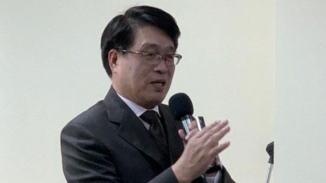 台湾民意基金会董事长游盈隆分析美台关系升温,让台湾民众特别关心美选。(记者 黄春梅摄)