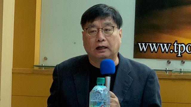 台湾关怀中国人权协会理事长杨宪宏形容美台关系有如跳探戈。(记者 黄春梅摄)