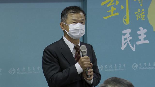 政务委员罗秉成引用邱太三曾说,两岸要商机不要战机。(记者 李宗翰摄)