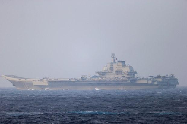 辽宁舰与罗斯福号最近距离400公里 台学者:共军未采反制措施