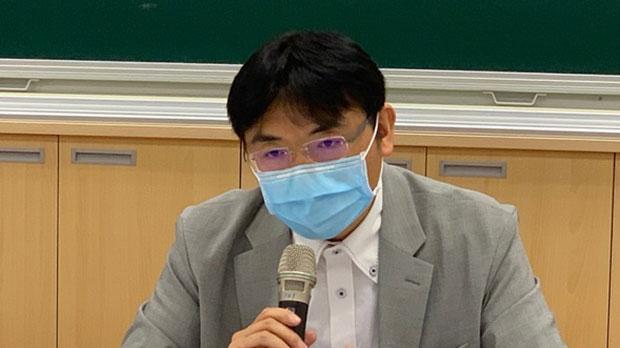 淡江大学日本政经研究所助理教授徐浤馨指,日本在美中间游移。(记者 黄春梅摄)