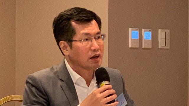 民进党立委罗致政认为,台湾在美中选边站是假议题。(记者 黄春梅摄)