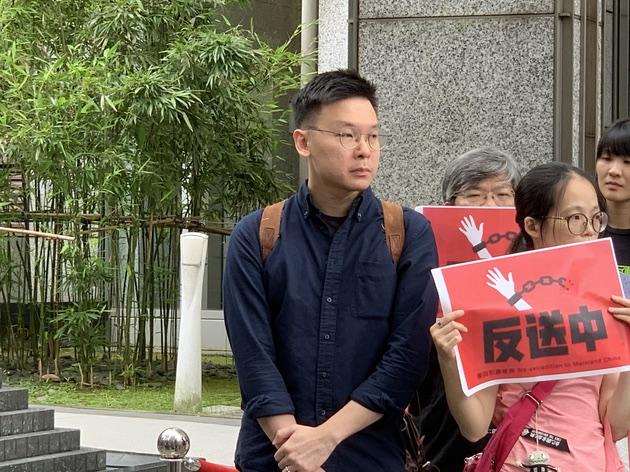 前太阳花领袖林飞帆到场声援香港。(记者 黄春梅摄)