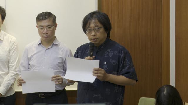 华人民主书院董事主席曾建元说大家都是香港人的共犯。(记者 李宗翰摄)