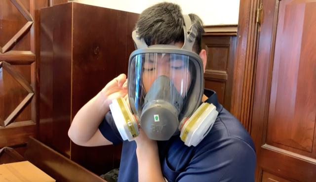 香港防毒面具吃紧,台湾组合包装运送至港。(记者 黄春梅摄)