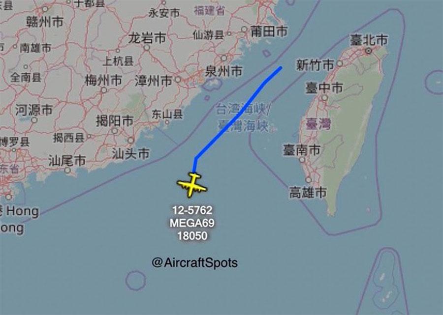 """""""飞机守望""""(Aircraft Spots)发布的照片显示,美国两架隶属于空军的MC-130J特种作战飞机穿越台海。(截图自Aircraft Spots twitter)"""