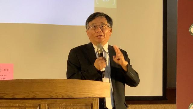 台大公卫学院副院长陈秀熙呼吁出入境都该做筛检。(记者 黄春梅摄)