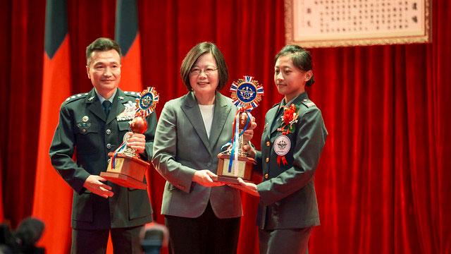 蔡英文参加军人节表扬大会。(总统府提供)