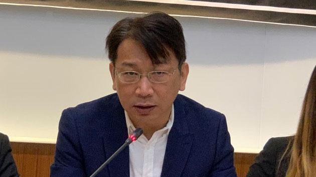 时代力量立委徐永明谴责陆委会等官员未出席记者会。(记者 黄春梅摄)