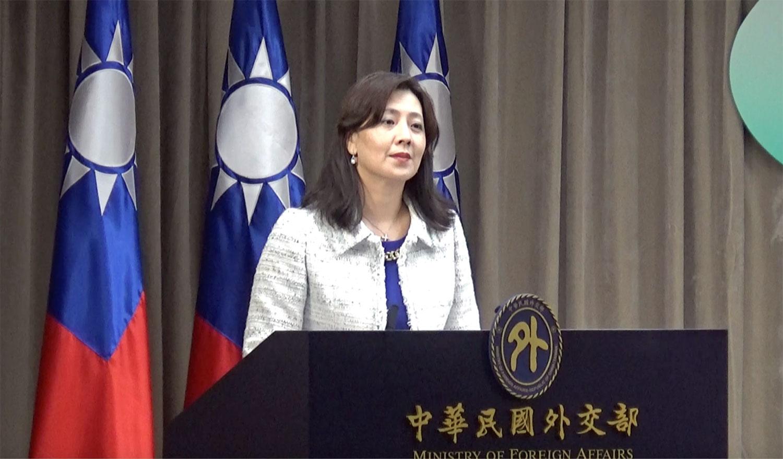 台湾外交部发言人欧江安十二日在记者会上回应克拉夫特将访台事宜。(记者夏小华摄)