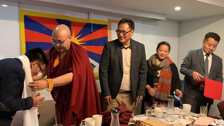 藏人行政中央议会包含前议长堪布索南滇培等4名现任国会议员到台湾观选,13日拜会友好西藏的台湾NGO组织。(记者夏小华摄)