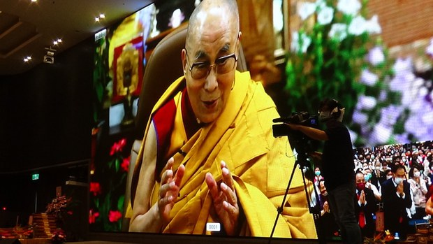 印度疫情严重 达赖喇嘛与台湾视讯祈福 流亡藏人捐一日工资