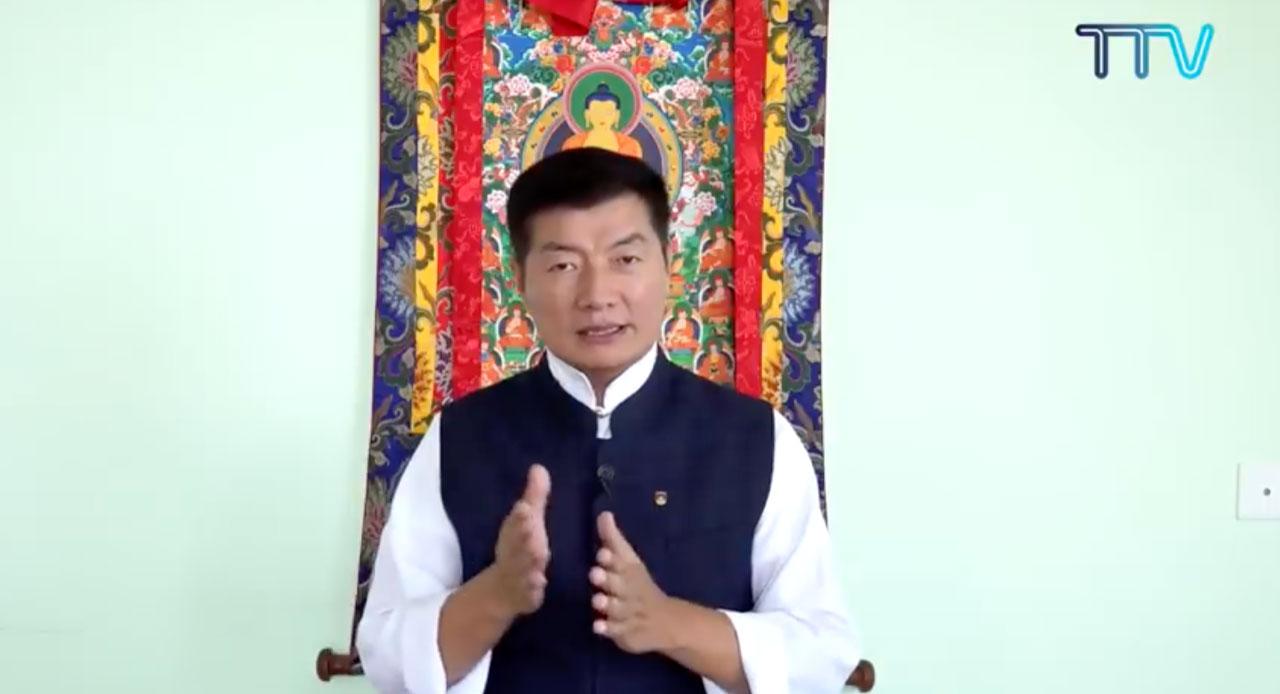 藏人行政中央现任司政洛桑森格透过视频表示,会确保政权平稳交接。(藏人行政中央官网)