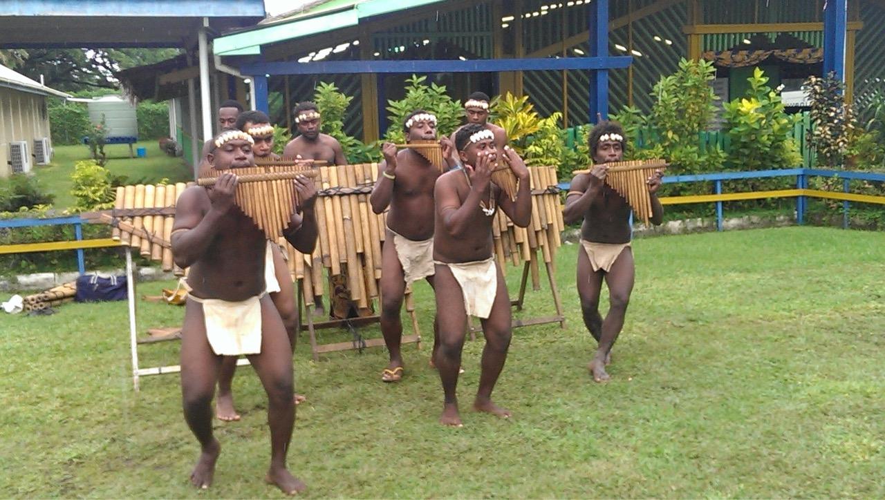 所罗门部落文化,排笛 (Panpipes)舞蹈表演。(于德胜提供)