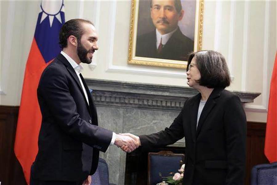 蔡英文总统2017年时接见时任首都圣萨尔瓦多市长的布格磊。(摘自总统府网站)