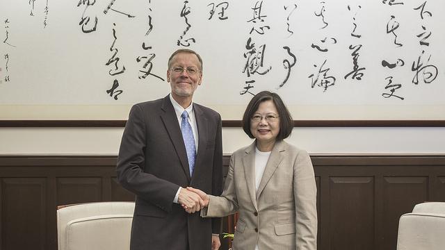 美国将协助维系台湾与邦交国关系