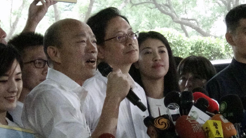 韩国瑜受访表示,不担心民调。(记者夏小华摄)
