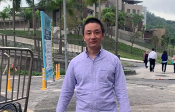 溫起鋒11月3日赴美國在臺協會欲申請政治庇護開直播錄視頻,二天後被遣送。(溫起鋒視頻截圖)