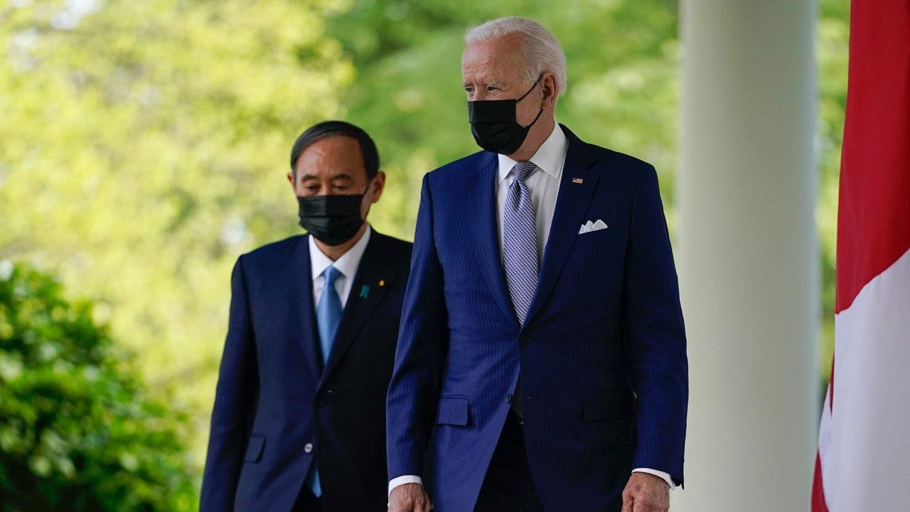 美国总统拜登和日本首相菅义伟4月16日领袖峰会。(AP)